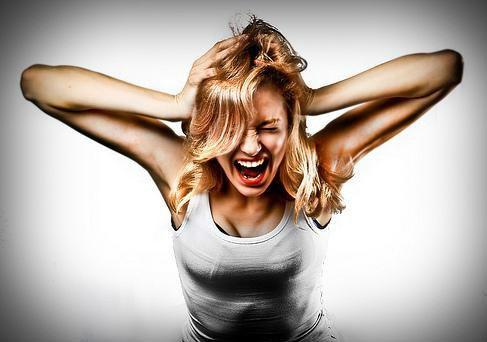 Как женщине справиться с эмоциями?